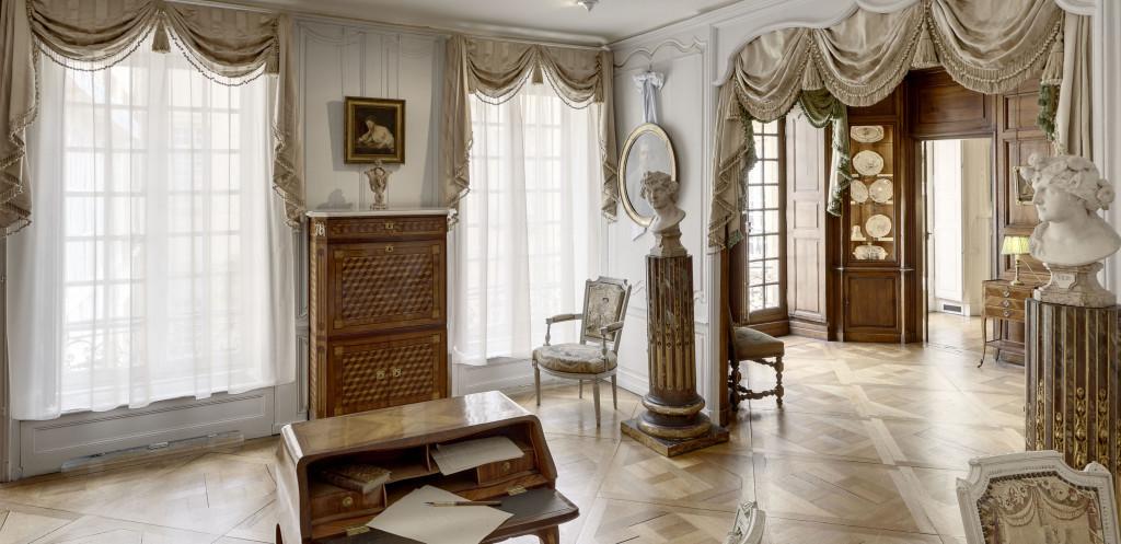 visite guid e visite de fond en comble. Black Bedroom Furniture Sets. Home Design Ideas