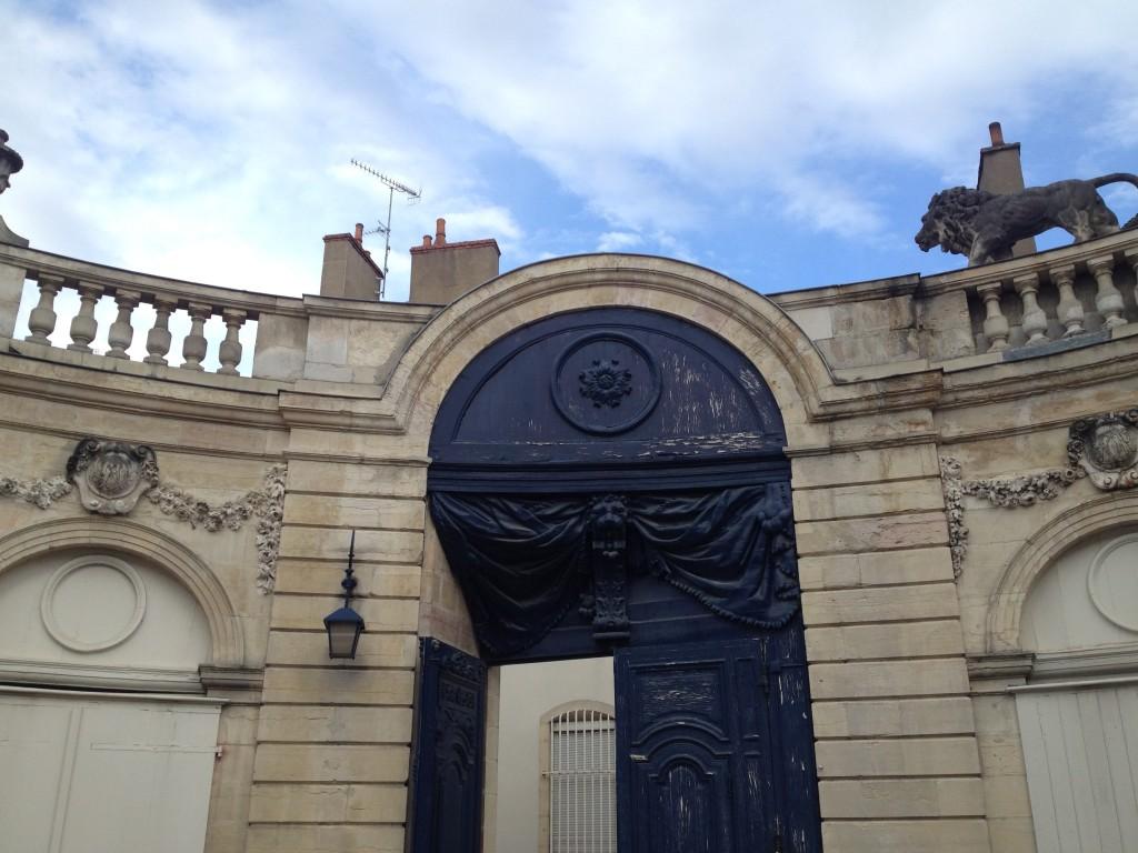 lion-rue-vauban-cour-interieure-c-jondi