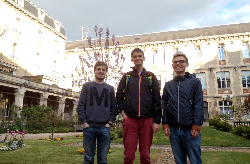 Jan, Pavel et Ondrej, trois lycéens tchèques au lycée Carnot. Photo © BC - Jondi