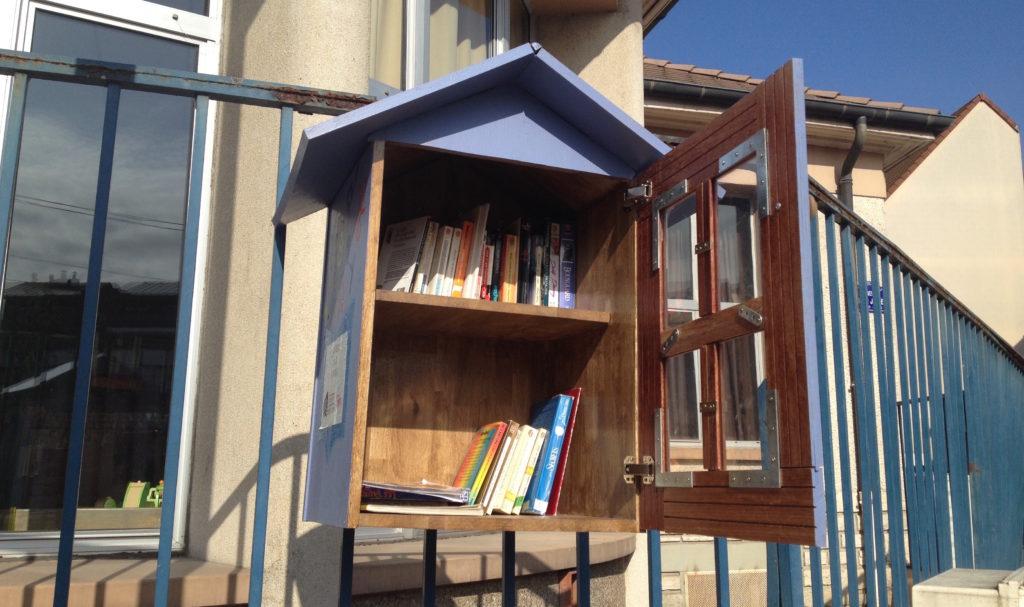 La municipalité a implanté 22 boîtes à livres dans 5 quartiers de Dijon.