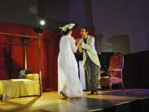 Théâtre – Mais n'te promène donc pas toute nue ! + Feu la mère de madame