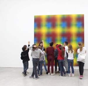 Visites pour les enfants au centre d'art le Consortium