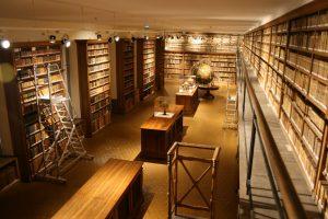 Visite de la bibliothèque du Patrimoine