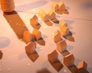Théâtre d'objets en mouvement – Petit silence