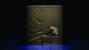 Théâtre et marionnettes – Face au mur