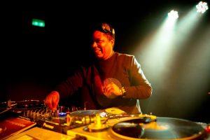 Dancefloor – DJ Buenavibra