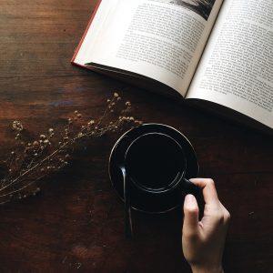 1 café, 1 livre, SVP !