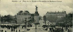 Midi dans la place : la place du Trente-Octobre et de la légion d'honneur