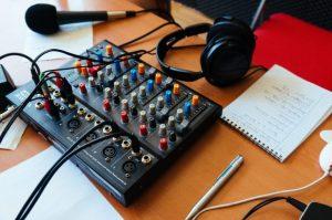 Radio Voisins-Voisines